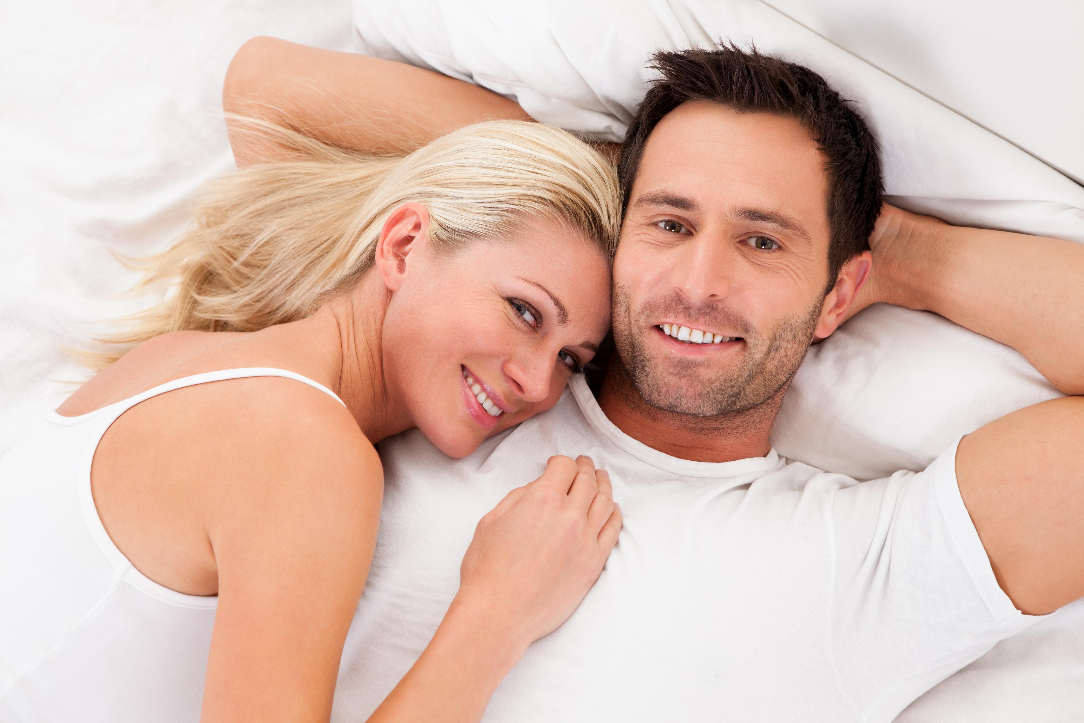 Семейные пары дома в кровати 16 фотография